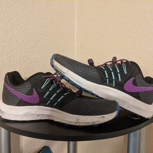 Nike Swift SE sneakers, women 8.5